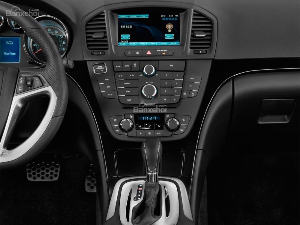 Đánh giá bảng điều khiển xe Buick Regal 2015