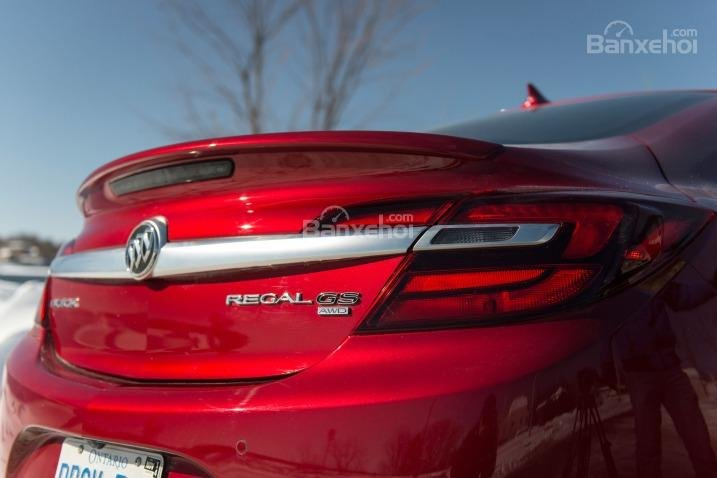 Đánh giá phía đuôi xe Buick Regal 2015