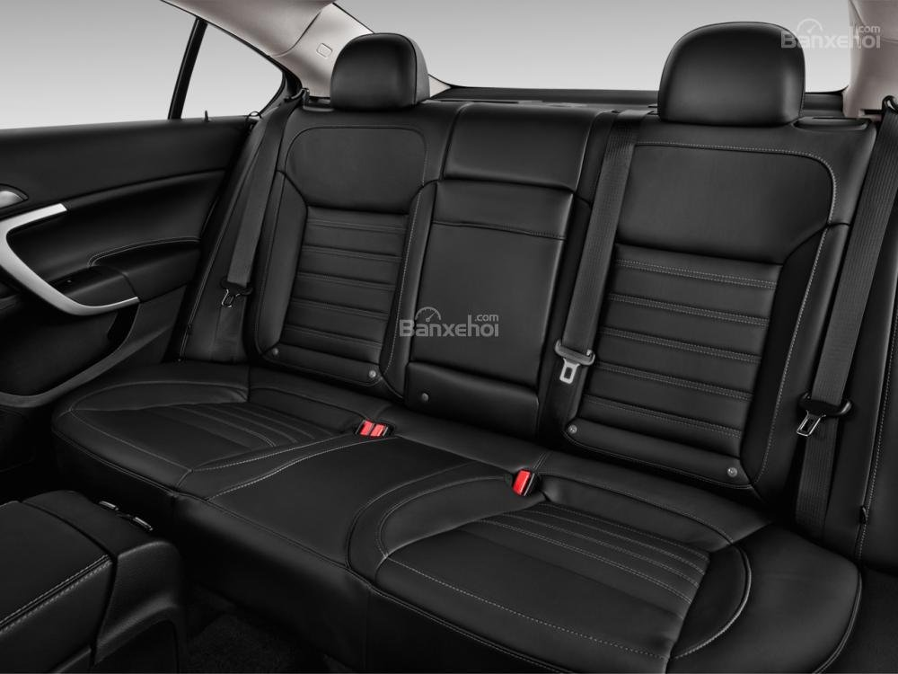 Đánh giá ghế sau xe Buick Regal 2015