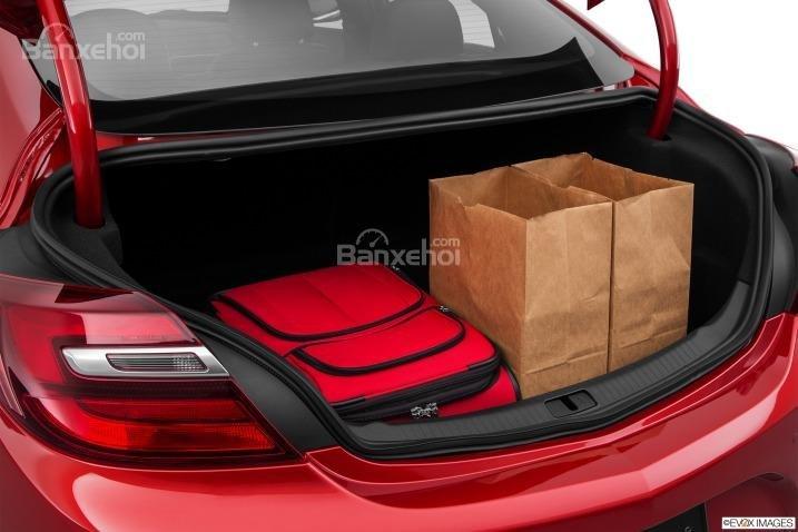 Đánh giá khoang hành lý xe Buick Regal 2015