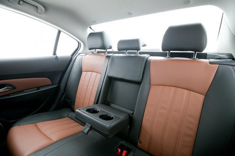 Cần bán xe Chevrolet Cruze 2015, màu xám, nhập khẩu chính hãng -5