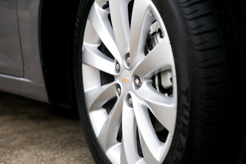 Cần bán xe Chevrolet Cruze 2015, màu xám, nhập khẩu chính hãng -4