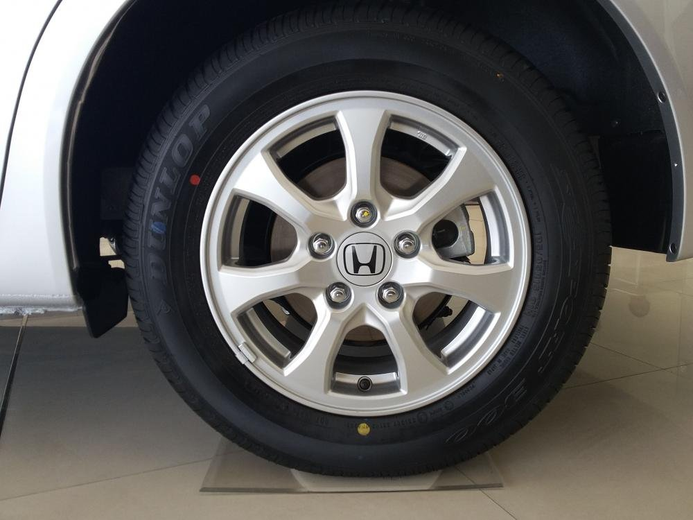 Cần bán xe Honda Civic đời 2015, màu bạc, giá cực tốt-2