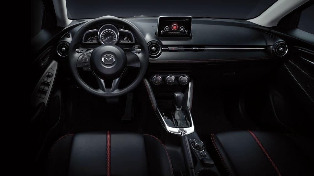 Nội thất Mazda 2 đơn giản nhưng hiện đại