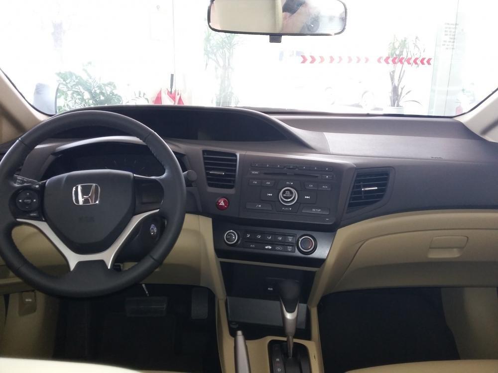 Cần bán xe Honda Civic đời 2015, màu bạc, giá cực tốt-4