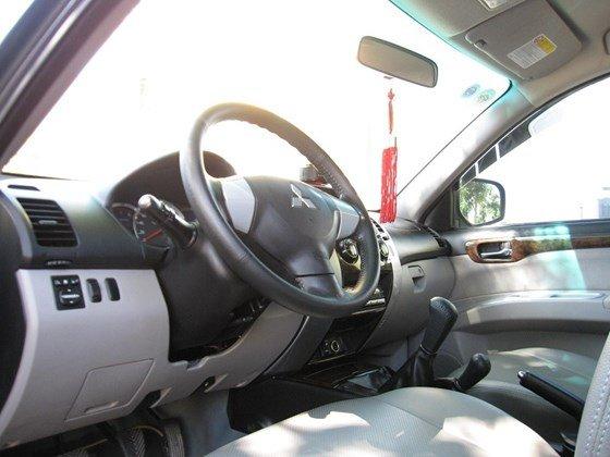 Bán xe Pajero Sport 2 cầu máy dầu số tay xe đẹp 99% như mới-2