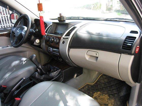 Bán xe Pajero Sport 2 cầu máy dầu số tay xe đẹp 99% như mới-4