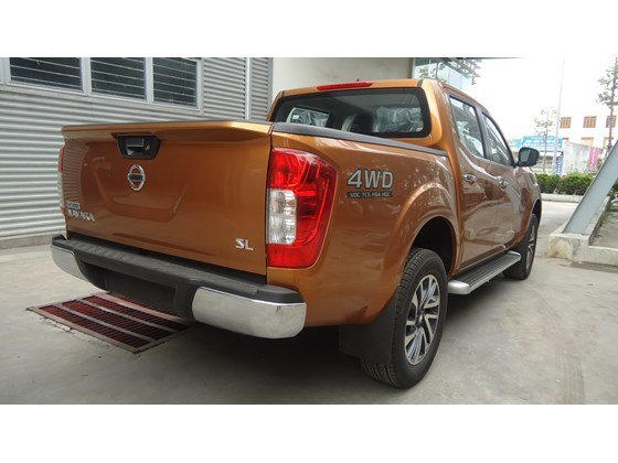 Bán Nissan Navara NP300 2015 màu cam, nhập khẩu nguyên chiếc từ Thái Lan cần bán-3