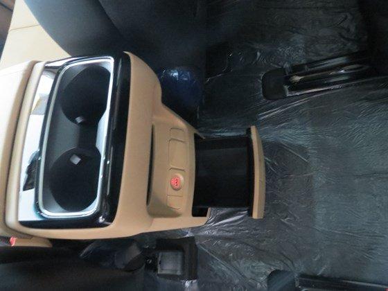 Cần bán Kia Sedona đời 2015, màu trắng, nhập khẩu nguyên chiếc, giá tốt-22