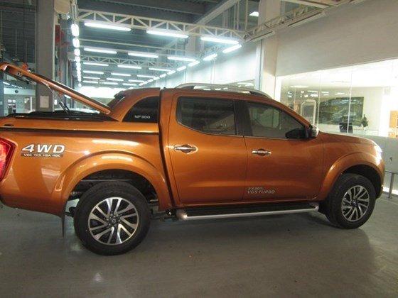 Bán Nissan Navara NP300 2015 màu cam, nhập khẩu nguyên chiếc từ Thái Lan cần bán-8