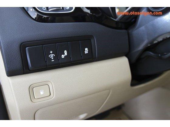 Cần bán Kia Sedona đời 2015, màu trắng, nhập khẩu nguyên chiếc, giá tốt-10