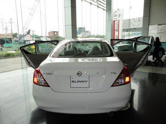 Cần bán xe Nissan Sunny XV đời 2015, màu trắng, nhập khẩu nguyên chiếc-2