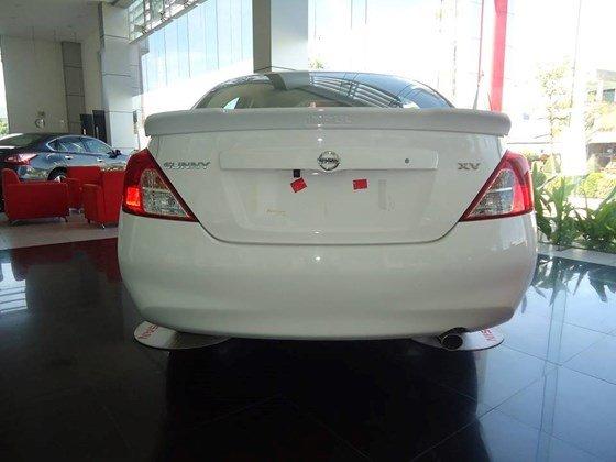 Cần bán xe Nissan Sunny XV đời 2015, màu trắng, nhập khẩu nguyên chiếc-3
