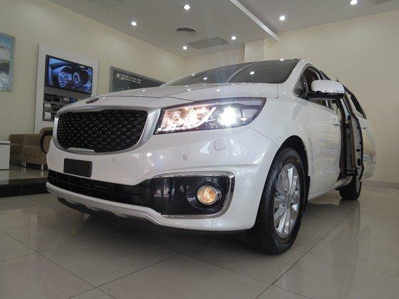 Cần bán Kia Sedona đời 2015, màu trắng, nhập khẩu nguyên chiếc, giá tốt-3
