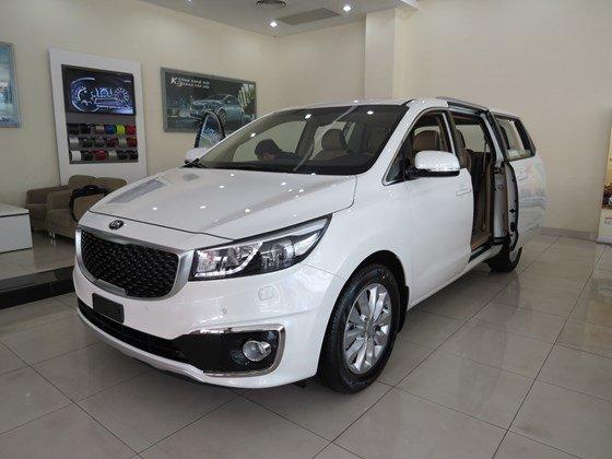 Cần bán Kia Sedona đời 2015, màu trắng, nhập khẩu nguyên chiếc, giá tốt-0