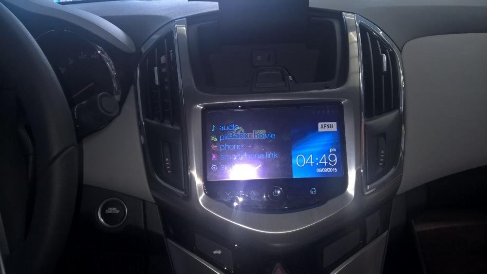 Cần bán Chevrolet Cruze năm 2015, màu trắng-10