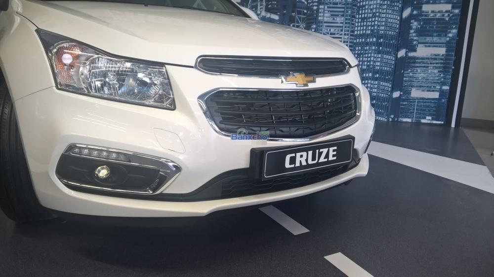 Cần bán Chevrolet Cruze năm 2015, màu trắng-2
