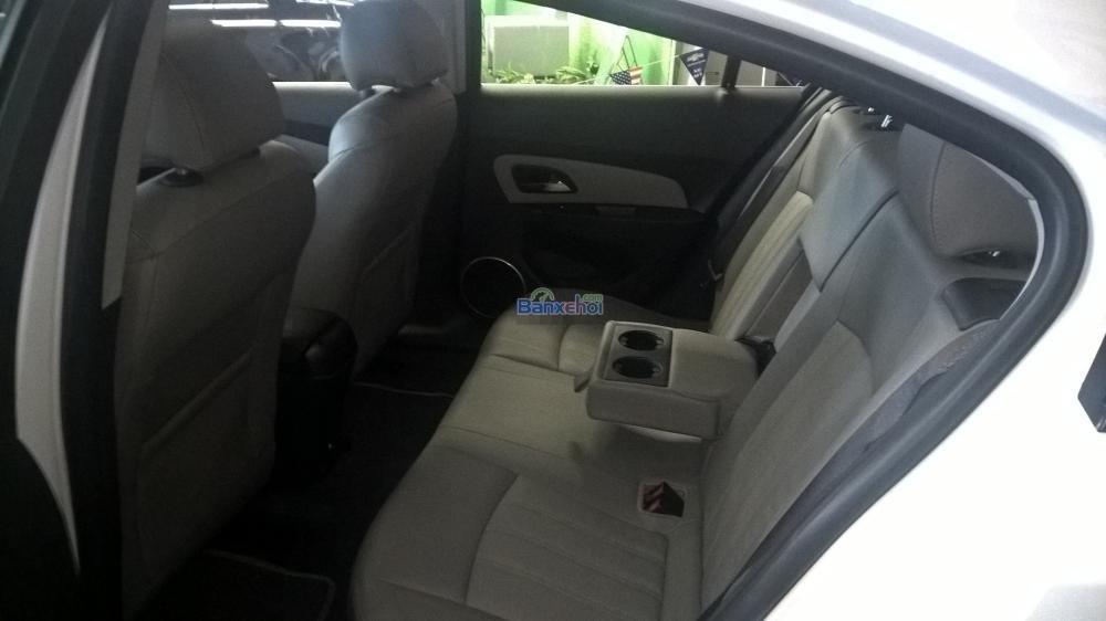 Cần bán Chevrolet Cruze năm 2015, màu trắng-5