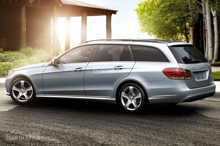 Đánh giá xe Mercedes E-Class 2016: Mercedes E-Class 2016 được IIHS đánh giá cao về khả năng đảm bảo an toàn.