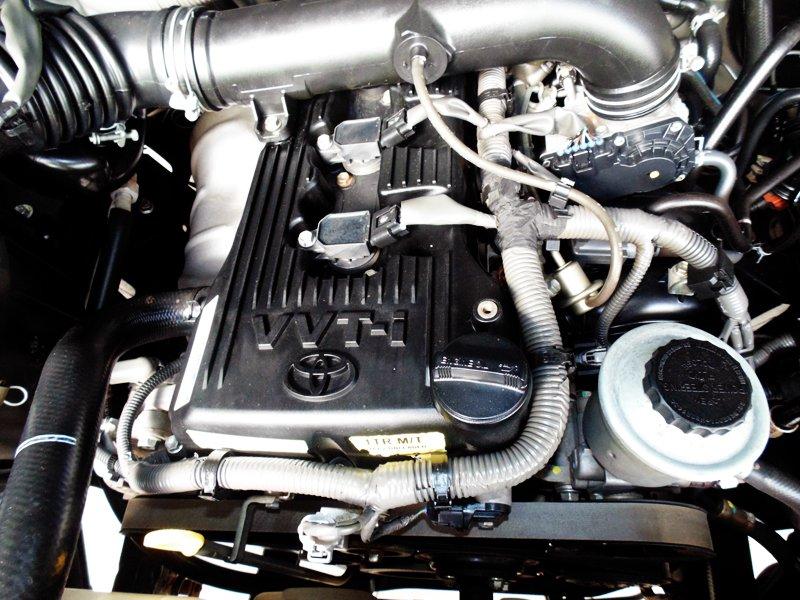 Innova G màu bạc đời 2010 giá 635 triệu-4
