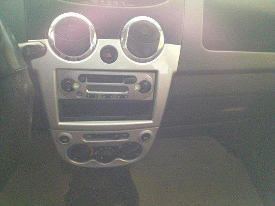 Enter Car đang có Sparkt 2010 màu vàng chanh, xe đẹp, nội thất đẹp-6