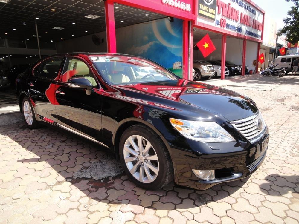 Việt Nhật Auto cần bán xe Lexus LS 460L AT 2010 xe đi được 30000Km, xe sử dụng nhiêu liệu xăng-1