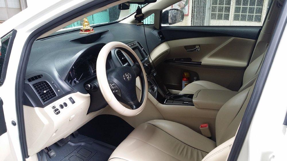 Bán Toyota Venza 2.7 L sản xuất năm 2009 màu trắng nội thất kem xe đẹp-3