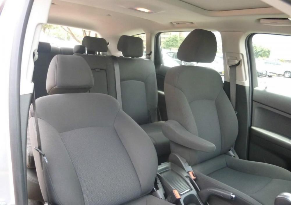 Bán xe Chevrolet Orlando 2015, màu bạc, giá tốt nhanh tay liên hệ-3