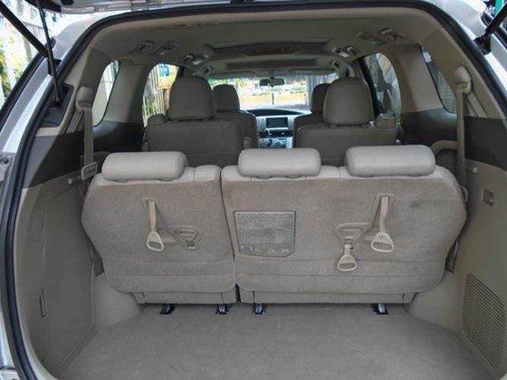 Cần bán xe Toyota Previa màu bạc model 2009 đăng kí lần đầu vào 10/2009-4