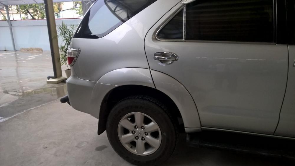 Toyota Đông Sài Gòn xe đã qua sử dụng đang bán Fortuner G màu bạc, pháp lý cá nhân-3