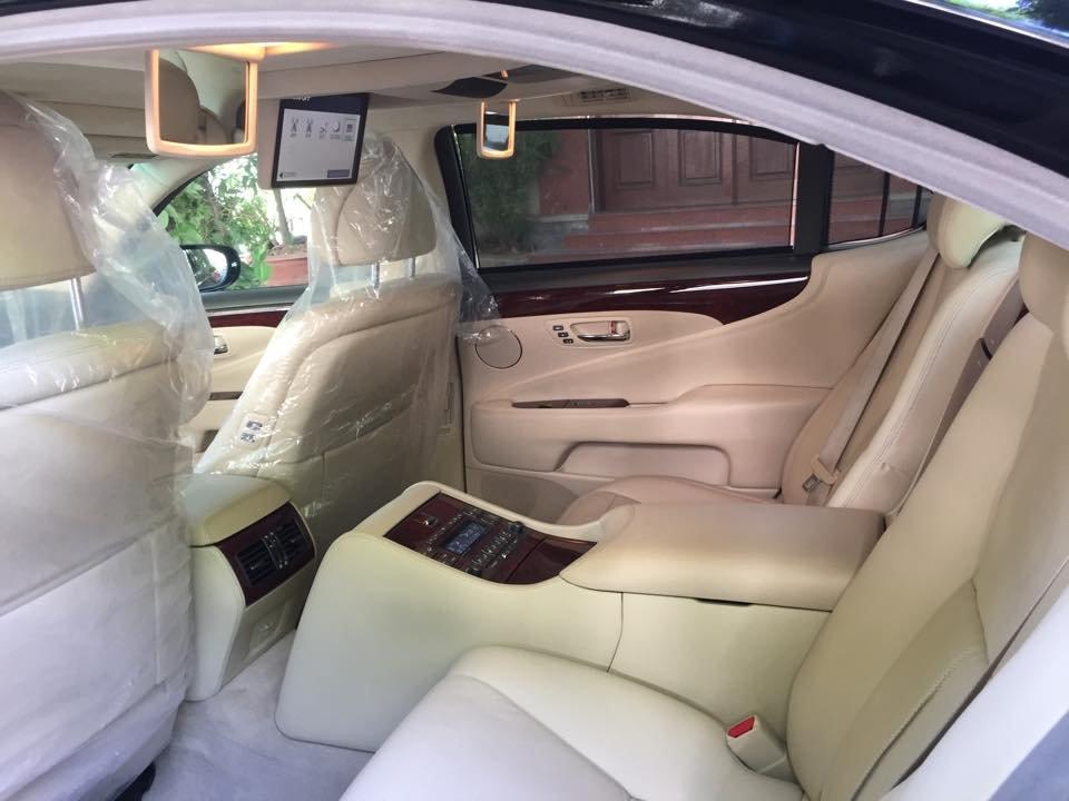 Việt Nhật Auto cần bán xe Lexus LS 460L AT 2010 xe đi được 30000Km, xe sử dụng nhiêu liệu xăng-8
