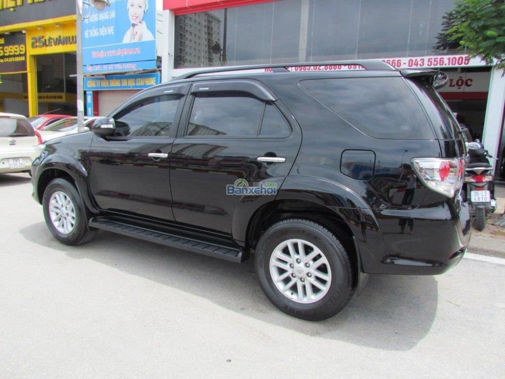 Bán Toyota Fortuner 2.7V-4x2 đời 2014, màu đen-4