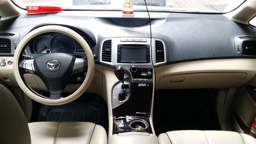 Bán Toyota Venza 2.7 L sản xuất năm 2009 màu trắng nội thất kem xe đẹp-4