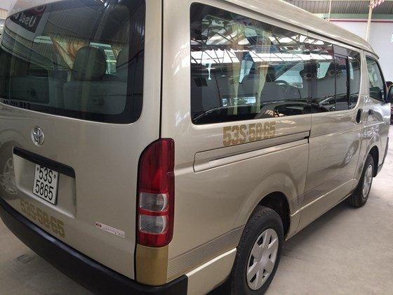 Toyota Đông Sài Gòn – Trung tâm xe đã qua sử dụng bán xe Toyota Hiace 2009, màu ghi vàng, 111,700 km-1