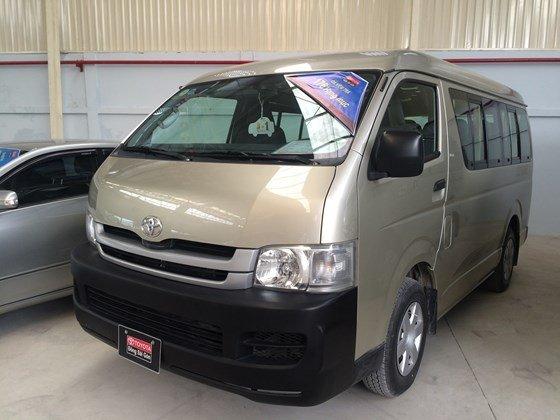 Toyota Đông Sài Gòn – Trung tâm xe đã qua sử dụng bán xe Toyota Hiace 2009, màu ghi vàng, 111,700 km-0