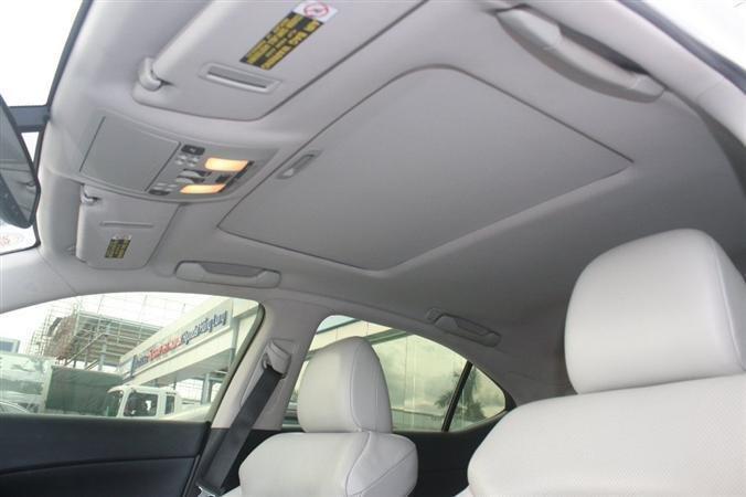 Bán Lexus IS 250 màu trắng nội thất kem model 2010-7