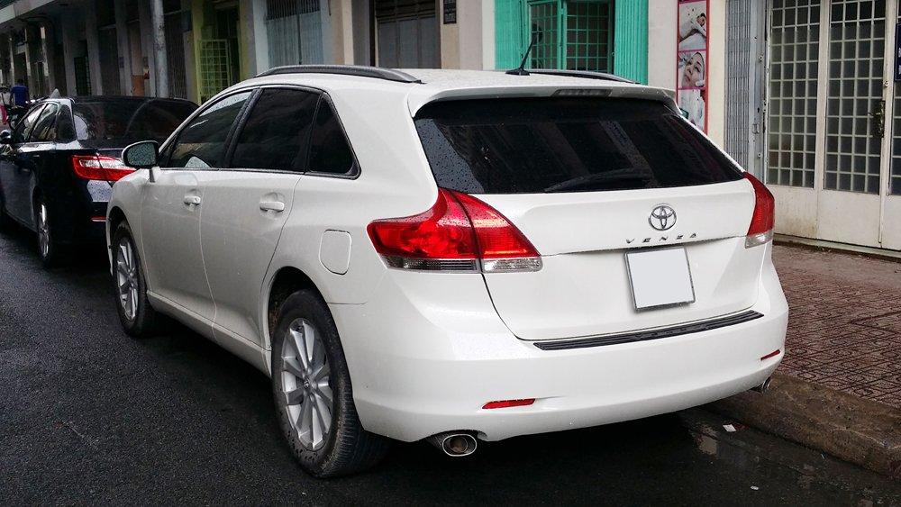Bán Toyota Venza 2.7 L sản xuất năm 2009 màu trắng nội thất kem xe đẹp-1