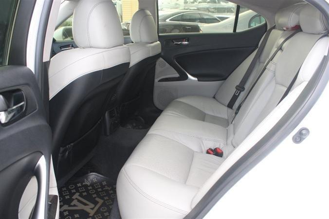 Bán Lexus IS 250 màu trắng nội thất kem model 2010-6