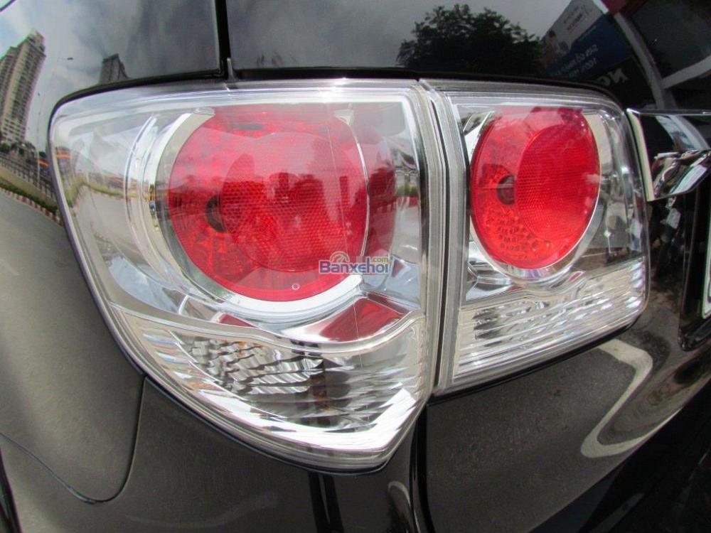 Bán Toyota Fortuner 2.7V-4x2 đời 2014, màu đen-6