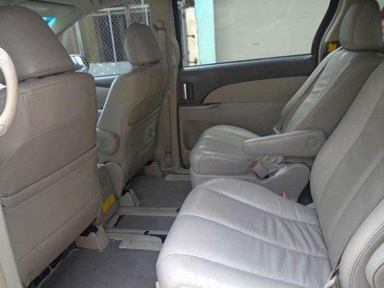 Cần bán xe Toyota Previa màu bạc model 2009 đăng kí lần đầu vào 10/2009-5