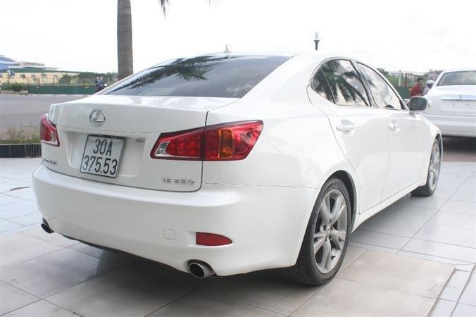 Bán Lexus IS 250 màu trắng nội thất kem model 2010-2