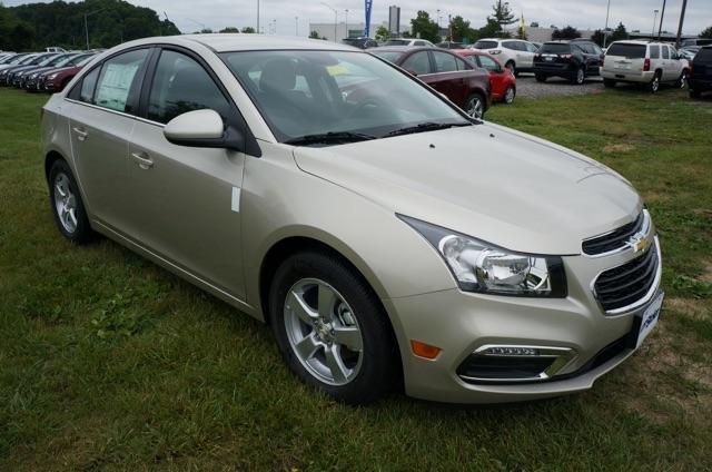 Xe Chevrolet Cruze đời 2015, màu bạc, giá chỉ 649 triệu-2