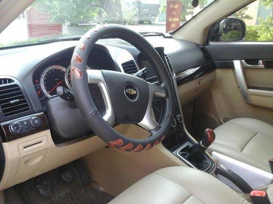 Gia đình cần bán xe Captiva MAXX LT sản xuất và đăng ký 2010, màu đen, số tay-7
