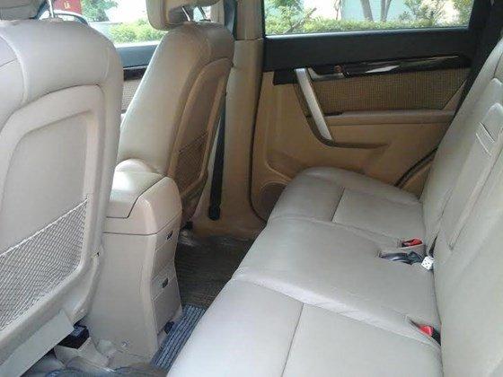 Gia đình cần bán xe Captiva MAXX LT sản xuất và đăng ký 2010, màu đen, số tay-5