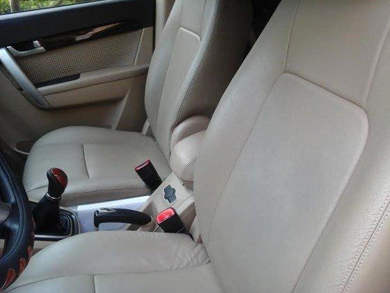 Gia đình cần bán xe Captiva MAXX LT sản xuất và đăng ký 2010, màu đen, số tay-6