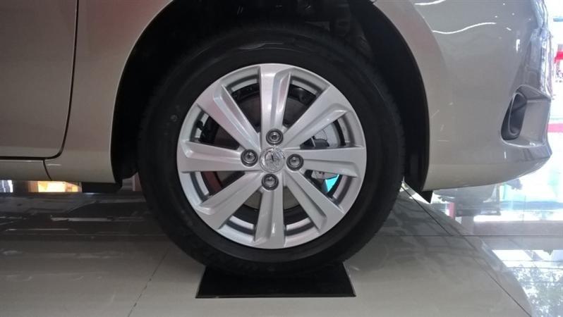 Bán Toyota Vios G - mới trong nước đời 2015 xe đẹp long lanh-4