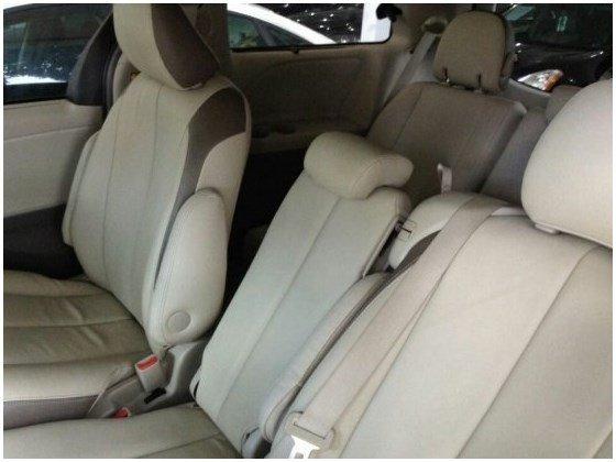 Cần bán gấp xe Toyota Sienna đời 2010, nhập khẩu nguyên chiếc-5