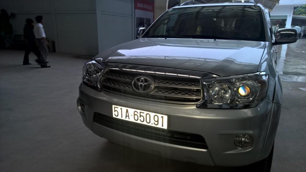Toyota Đông Sài Gòn xe đã qua sử dụng đang bán Fortuner G màu bạc, pháp lý cá nhân-0