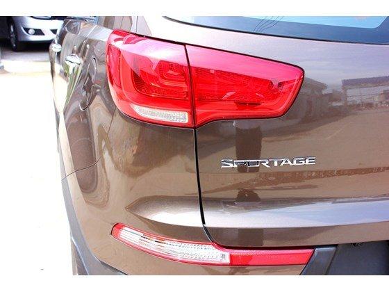 Bán ô tô Kia Sportage đời 2014, màu nâu, nhập khẩu, số tự động, giá 865tr nhanh tay liên hệ-6