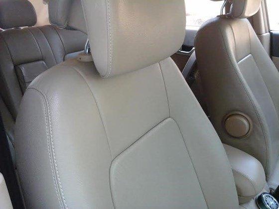Gia đình cần bán xe Captiva MAXX LT sản xuất và đăng ký 2010, màu đen, số tay-1